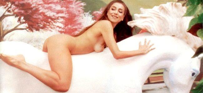 Marisa Orth pelada nua mostrando a buceta na revista playboy